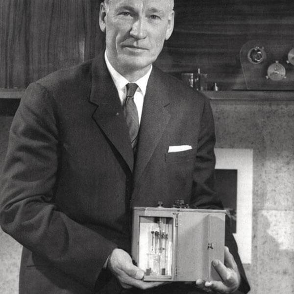 Arnold Beckman Photochemical Aparatus