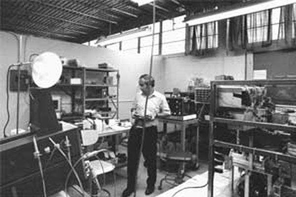Lou Kamentsky in the IBM lab