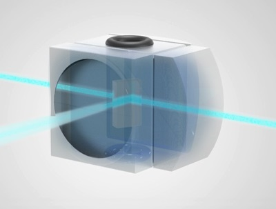 Flow cell with integrated optics for flow cytometry