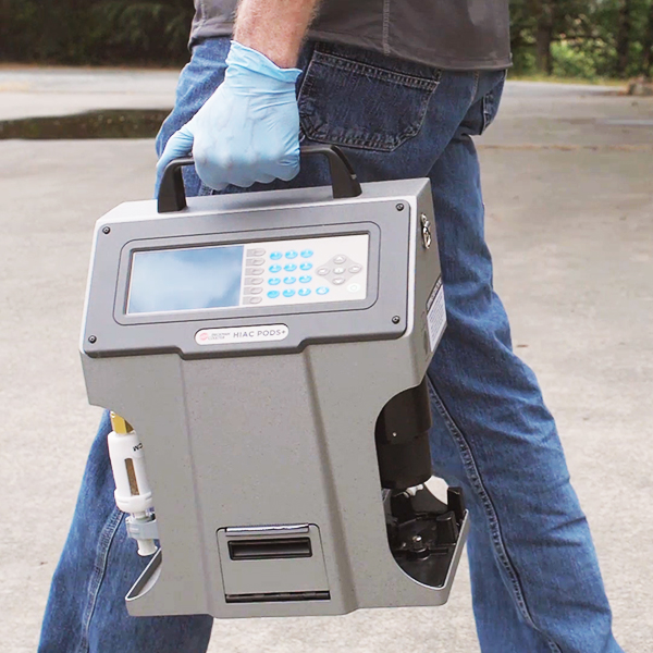 Carrying PODS+ Liquid Particle Counter